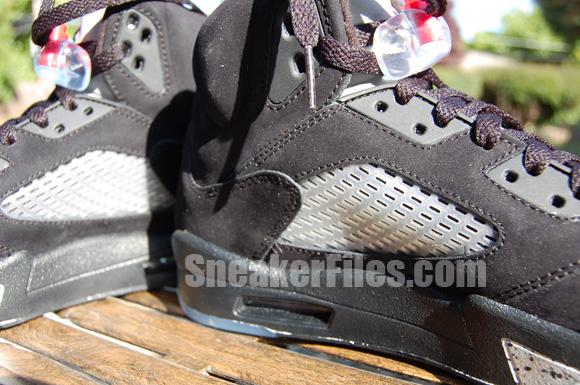 Air Jordan V (5) Retro Black Metallic Silver 2011 Detailed Look