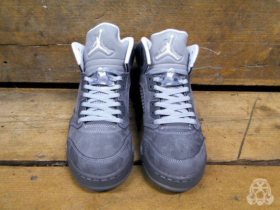 Air-Jordan-V-(5)-Retro-'Wolf Grey'-Detailed Look/Available-02