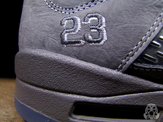 Air-Jordan-V-(5)-Retro-'Wolf Grey'-Detailed Look/Available-04