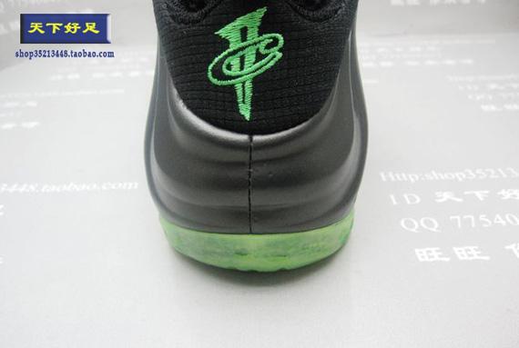 Nike-Air-Foamposite-One-'Electric-Green'-01