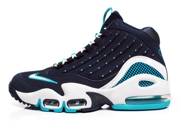"Release Reminder: Nike Air Griffey MAx II (2) ""Midnight"""