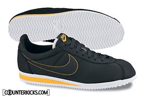 "Nike ""LIVESTRONG"" Collection - Lance Armstrong Foundation - Spring 2012"