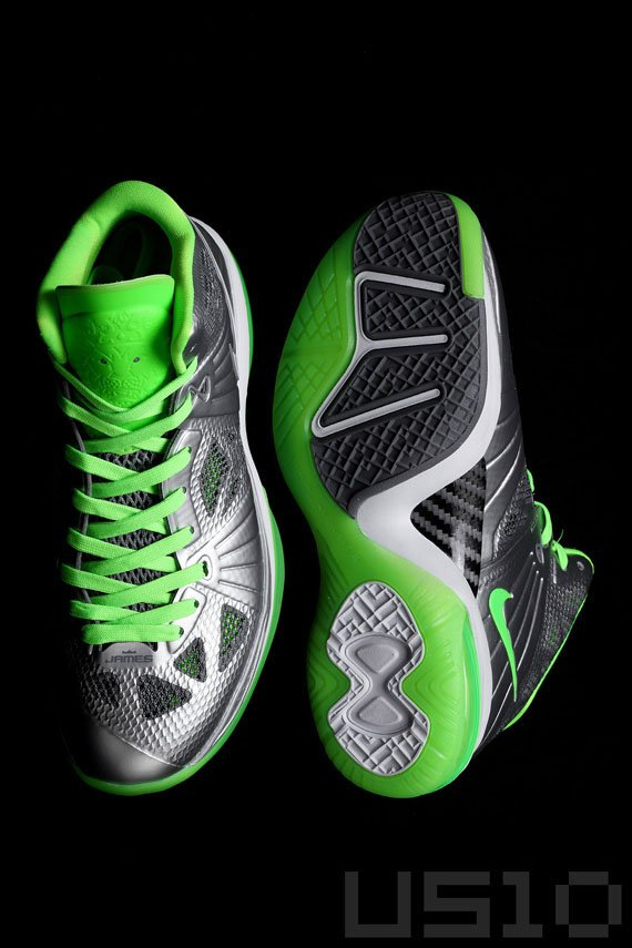 Nike-LeBron-8-P.S.-'Dunkman'-Detailed-Look-02