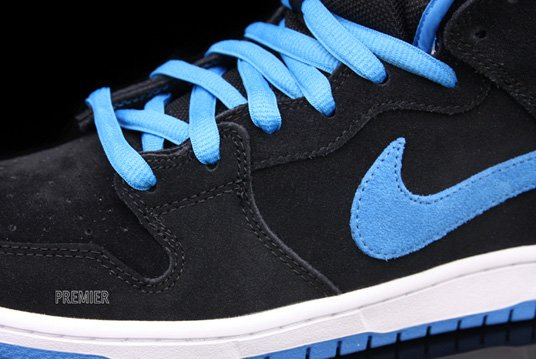 Nike Dunk SB Mid - Black/Orion Blue - Available