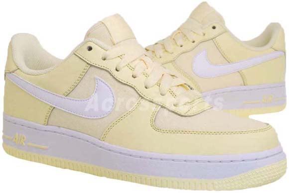 Nike Wmns Air Force 1 Lightbulb White