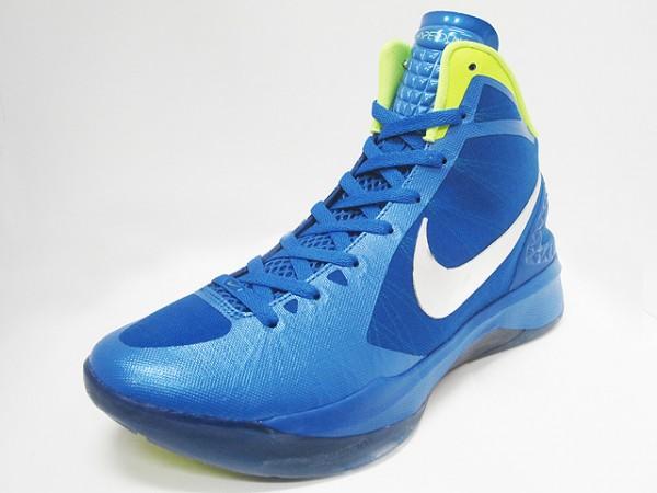 Nike Zoom Hyperdunk 2011 - Blue/Volt - New Images