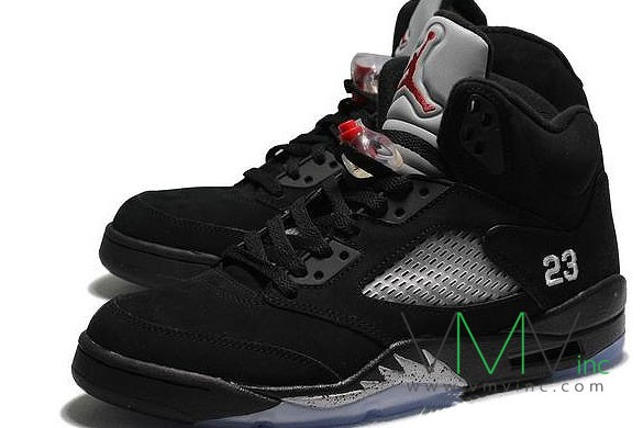 Air-Jordan-V-(5)-Retro-Black-Metallic-Silver-More-Image-2