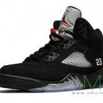 Air-Jordan-V-(5)-Retro-Black-Metallic-Silver-More-Image-3