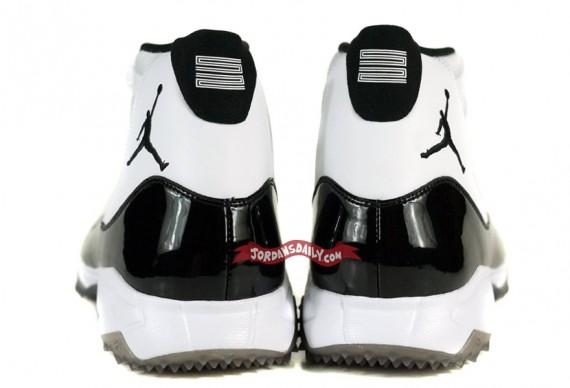 Air-Jordan-XI-(11)-'Concord'-CC-Sabathia-Turf-Trainer-PE-03
