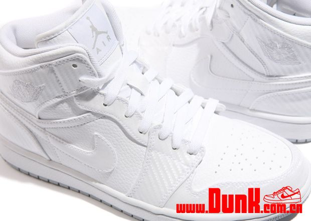 air-jordan-i-1-phat-white-carbon-fiber-first-look-1