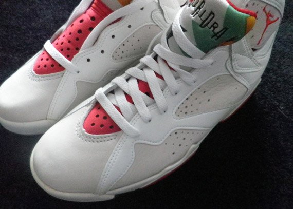 Air-Jordan-VII-(7)-'Hare'-OG-Pair-Available-02