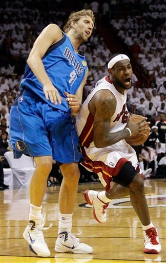 Dirk Nowitzki Nike Hyperdunk 2010 NBA Championship