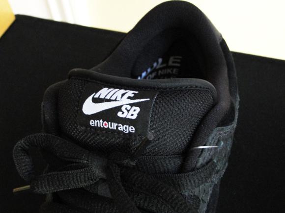 Entourage x Nike Dunk SB Low Lights Out