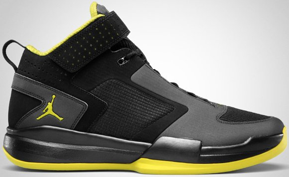 Jordan BCT Mid Black High Voltage-White