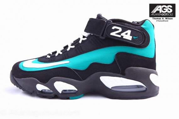 Nike-Air-Griffey-Max-1-'Mariners-Emerald'-New-Images-01