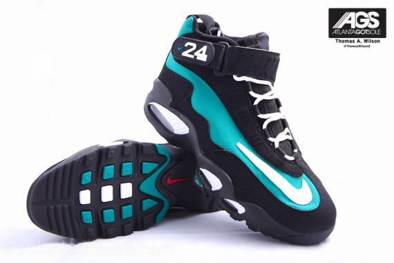 Nike-Air-Griffey-Max-1-'Mariners-Emerald'-New-Images-04