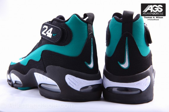 Nike-Air-Griffey-Max-1-'Mariners-Emerald'-New-Images-03