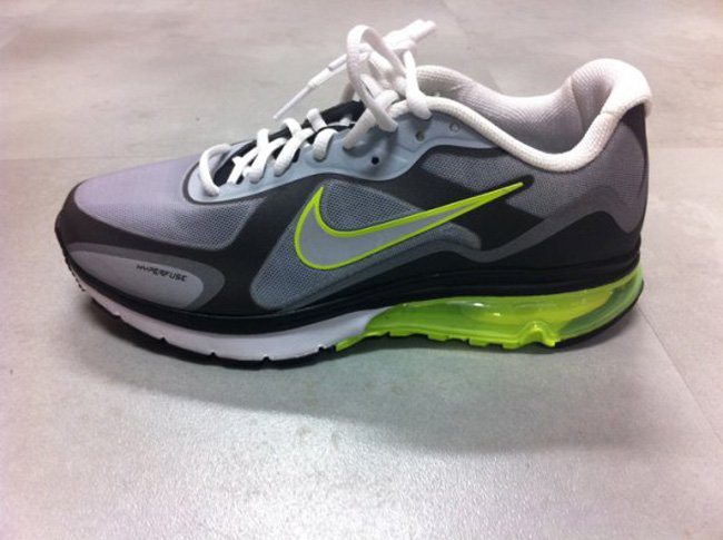 nike-air-max-alpha-neon-fall-2011-1