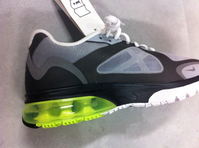 nike-air-max-alpha-neon-fall-2011-5
