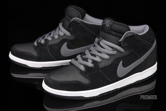Nike Dunk SB Mid Pro Griptape Black Light Graphite
