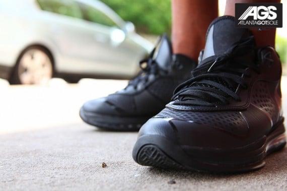Nike-LeBron-8-V2-Low-'Triple-Black'-New-Images-01