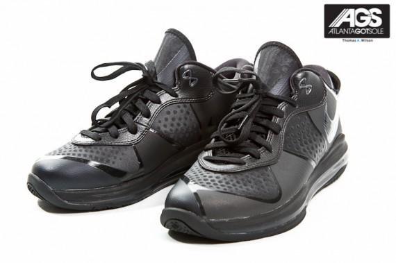 Nike-LeBron-8-V2-Low-'Triple-Black'-New-Images-02