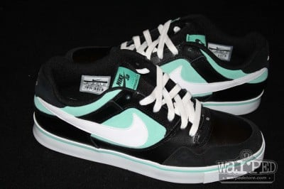 nike-sb-p-rod-2-5-tiffany-more-images-2