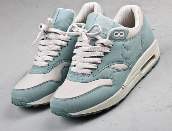 Nike WMNS Air Max 1 Mint + Grey