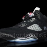 Air-Jordan-V-(5)-Retro-Black-Metallic-Silver-More-Images-3