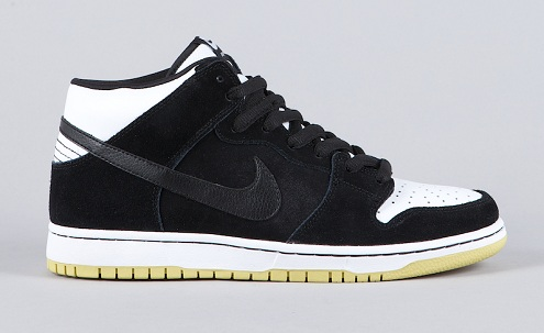 Nike SB Dunk Mid - Black/Black-White