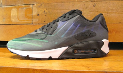 "Release News: Hurley x Nike Air Max 90 ""Phantom 4D"" Drops"