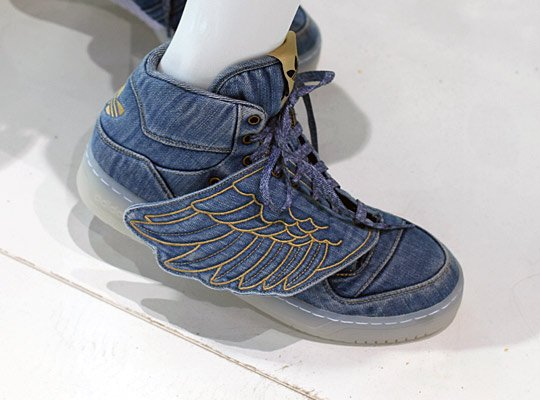 jeremy-scott-x-adidas-originals-js-wings-denim-1