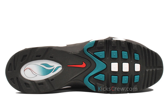 Nike-Air-Griffey-Max-1-'Fresh-Water/Mariners-Emerald'-New-Images-04