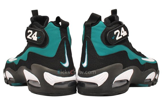 Nike-Air-Griffey-Max-1-'Fresh-Water/Mariners-Emerald'-New-Images-03