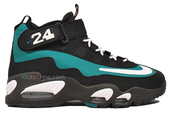 Nike-Air-Griffey-Max-1-'Fresh-Water/Mariners-Emerald'-New-Images-01