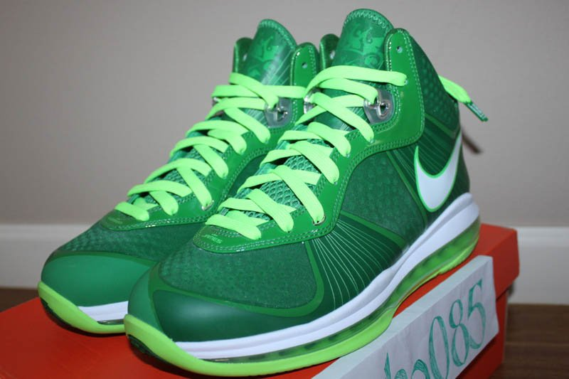 Nike-Air-Max-LeBron-8-V/2-Victory-Green/White-Electric-Green-Sample-01