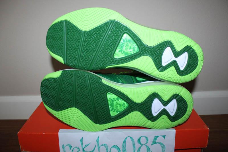 Nike-Air-Max-LeBron-8-V/2-Victory-Green/White-Electric-Green-Sample-06