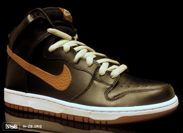 nike-dunk-high-sb-blackgum-spring-2012-1
