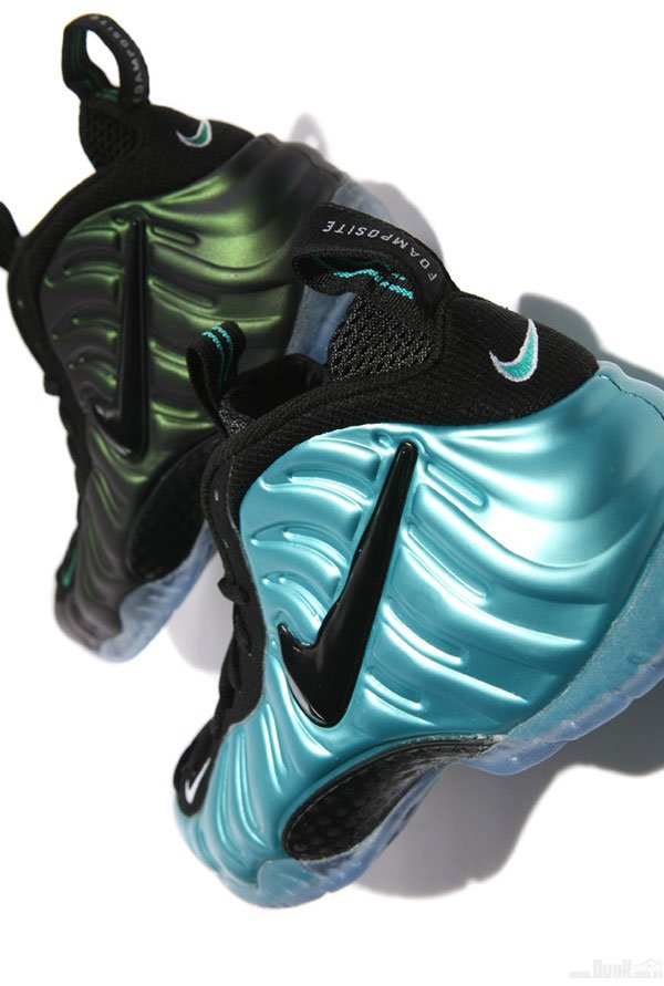 Nike-Air-Foamposite-Pro-'Dark-Pine'-04