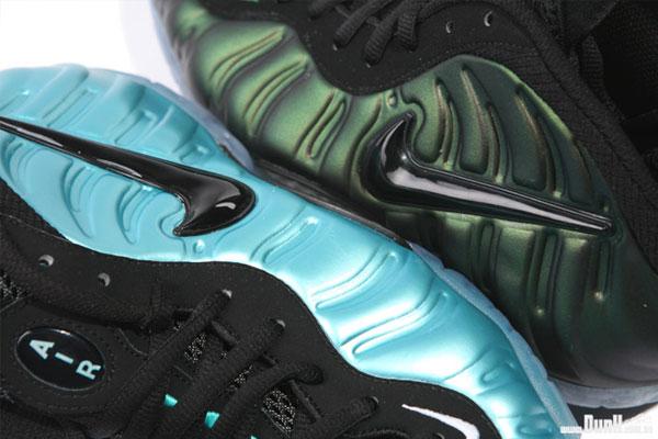 Nike-Air-Foamposite-Pro-'Dark-Pine'-02