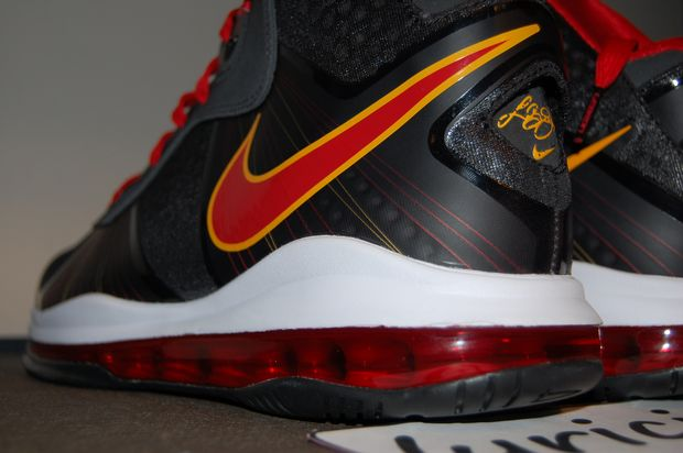 nike-lebron-8-v2-miami-heat-pe-away-7