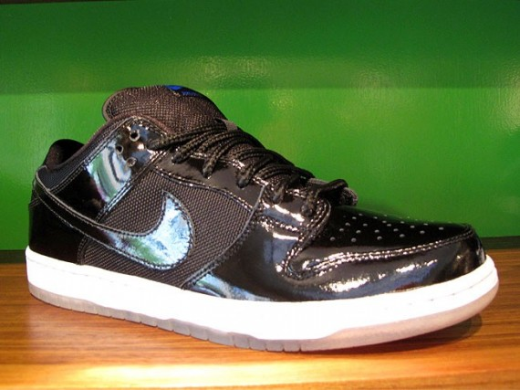 Nike-SB-Dunk-Low-'Space-Jam'-New-Images-01