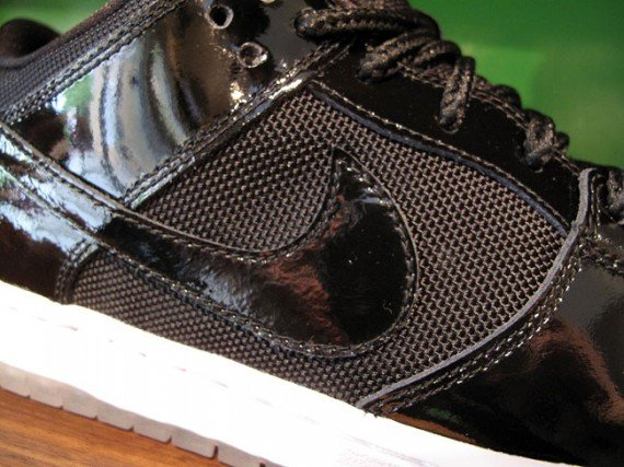 Nike-SB-Dunk-Low-'Space-Jam'-New-Images-04