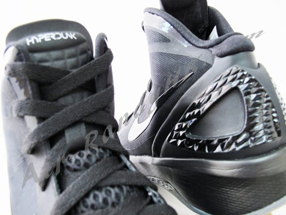 Nike Zoom Hyperdunk 2011 Blackout