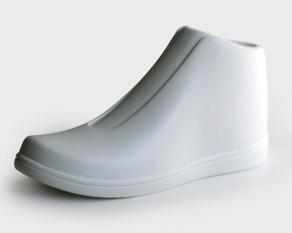 stance-high-vinyl-sneaker-toy-1