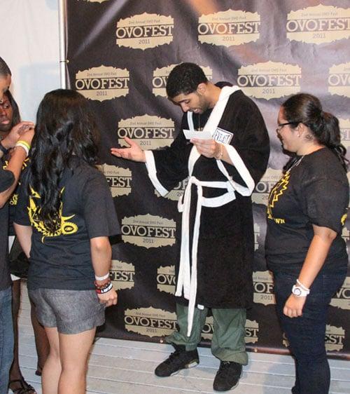 Drake Laces Up Air Jordan Retro VI (6