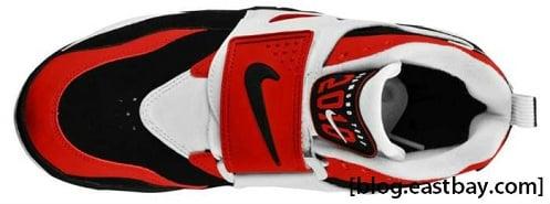 Nike Air Diamond Turf - Black/Varsity Red-White