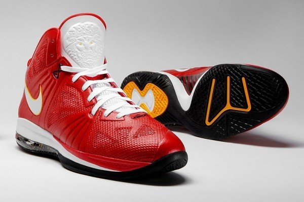 "Nike LeBron 8 PS ""Finals"" Releases in China"