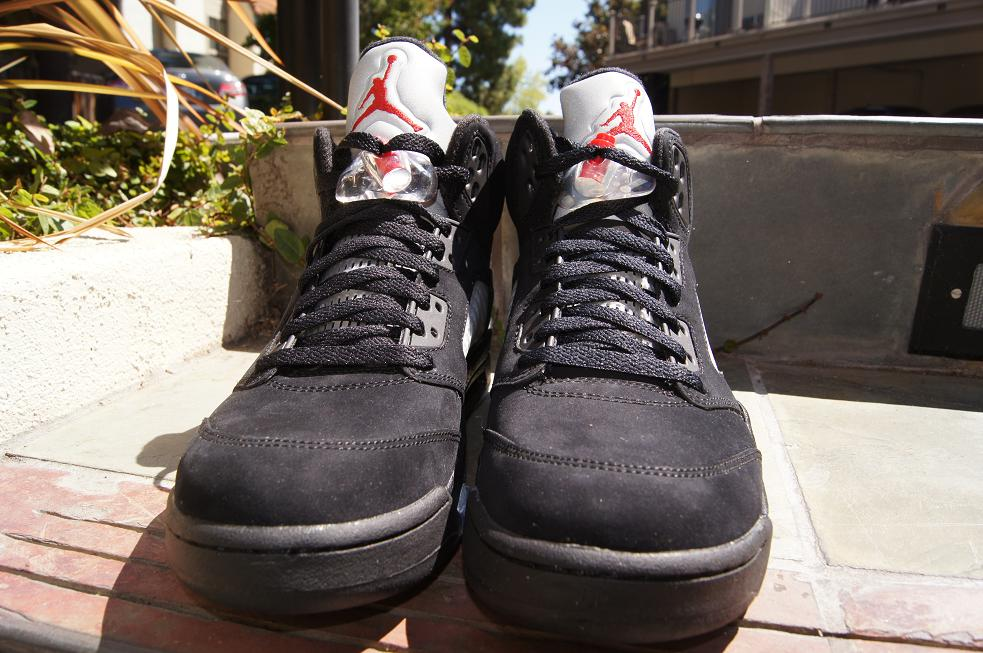 Release-Reminder-Air-Jordan-V-5-Retro-Black-Varsity-Red-Metallic-Silver-3