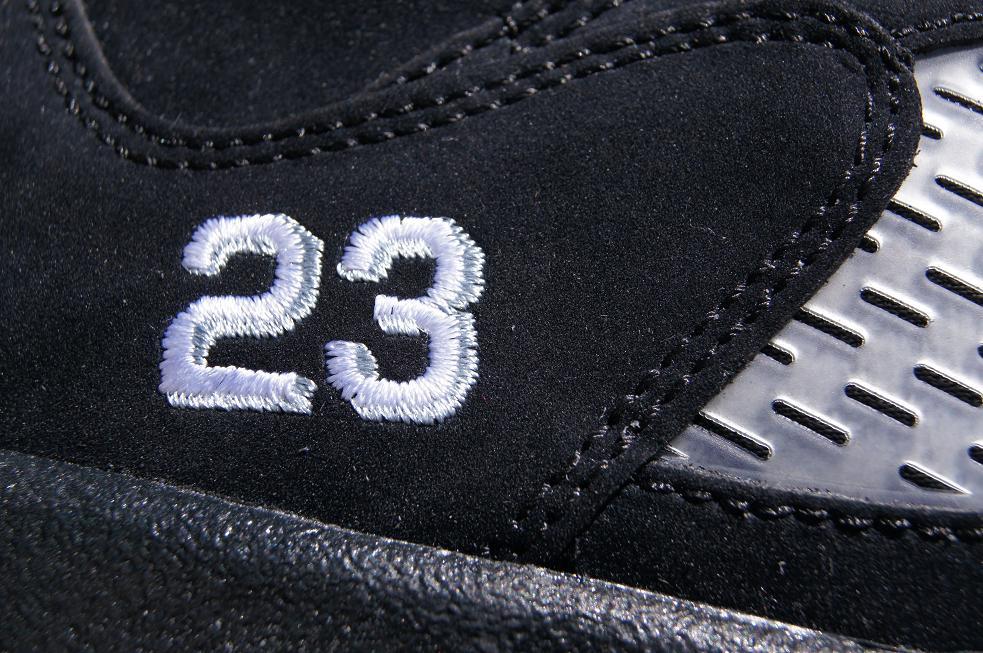 Release-Reminder-Air-Jordan-V-5-Retro-Black-Varsity-Red-Metallic-Silver-5